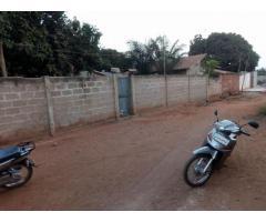 en vente à abomey calavi quartier djadjo une maison de chambres salon 650m2