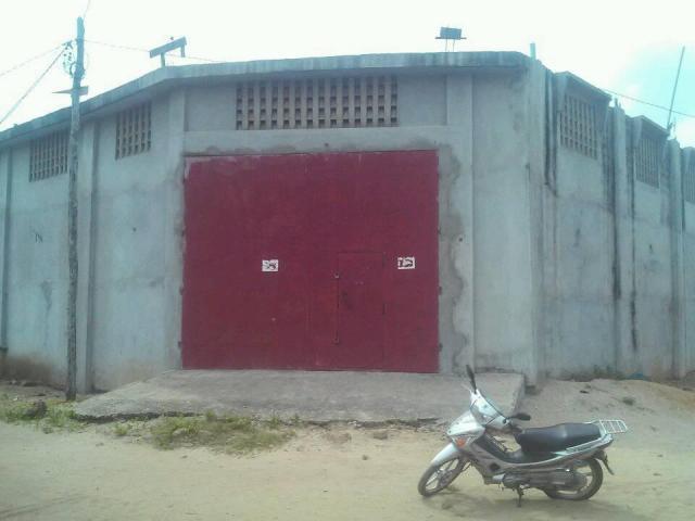 Met en location un magasin d'une capacité de 15000m3 à Gbodjè VONS St Thomas