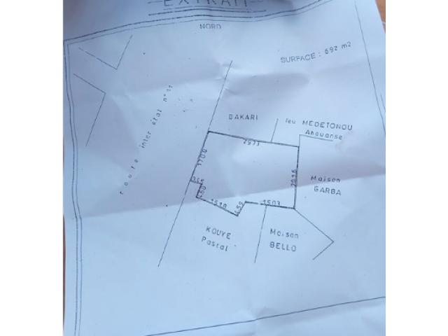 A vendre a *Portonovo* quatier koutongbé,au bord de la route inter-etat,portonovo-igolo