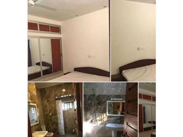 A louer Villa meublée de 3 chambres un salon sanitaire très très propre située à Calavi Tankpè