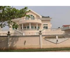 akpakpa dans la Cen - Sad Akpakpa une villa super Luxueuse construite sur une parcelle