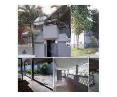 belle villa duplex composé 1 très grand salon 1 salle à manger 4 chambres à coucher
