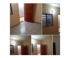 location une chambre salon sanitaire propre, nouvelle construction à Calavi Tankpè fifonsi