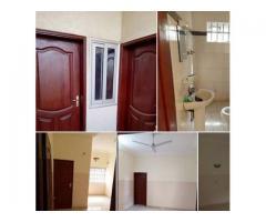location une chambre salon sanitaire impeccable au premier étage avec deux entrées