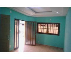 LOCATION APPARTEMENT CHAMBRE SALON AU TOGO ( Lomé):Avedi Pharmacie Apollon