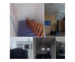 location à Cotonou Kindonou non loin des pavée avec entrée personnelle