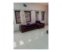villa de 3 chambres salon sanitaire très vaste garage de 2 voitures à zogbohouè