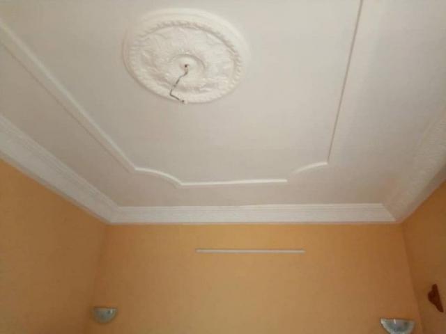 CALAVI / PARANA  appartement de une chambre salon avec staff