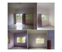 A LOUER Deux chambres salon sanitaire Staphées avec couloir