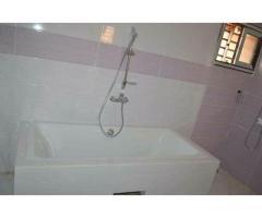 Togbin zone zeneka zeneka 2 chambre salon sanitaire maison personnel
