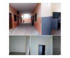 2 chambres,2 douches, dallé propre a couloir, 4 ménages seulement a Agla