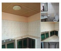 À LOUER: villa de 3 chambres salon en baie vitrée plafonnées , chaque chambre avec toilette