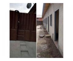 Une maison locative lotie et recasée a sème kpodji PK 18