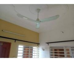 location un appartement d'une chambre salon sanitaire Sis à Calavi Bakhita