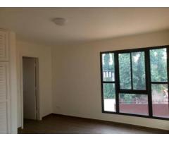 Un bel et grand appartement de 04 pièces à la riviera Beverly golf 4.