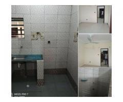 Disponible à Calavi *zogbadje*, *une Chambre salon sanitaire* bien vaste au 1er