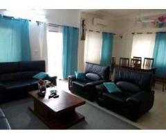 Location meublée à Fidjrosse Un bel appartement de trois chambres