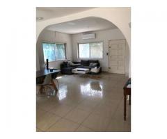 Une Belle maison à louer a la cité houeyiho De 3 chambres salon Un jardin