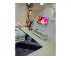 superbe joli appartement meublée climatisé d'une chambre salon sanitaire staffé