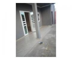 Une nouvelle construction de 2chambres salons sanitaire est mise en location a togoudo