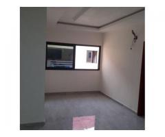 A Loudun bel appartement de 02 pièces sis Angré nouveau CHU dans un nouvel immeuble