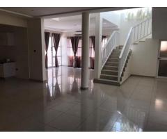 Villa Duplex de 3chambres salon nickel avec des baies vitrées Wc douche