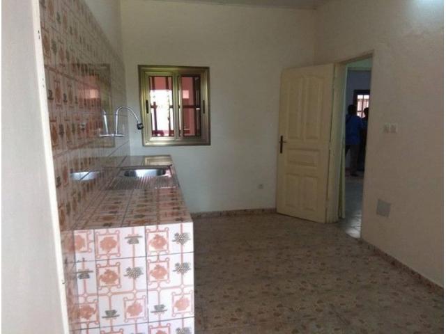 Appartements nickel á l'étage de 2 chambres salon Wcd Cuisine Internes