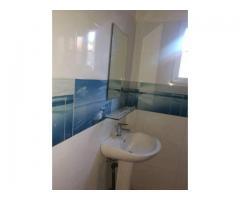 Une villa nickel de 04chambres salon wc douches cuisine internes