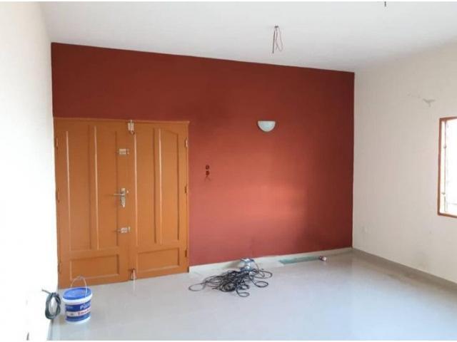 un appartement à l'étage de 3 chambres salon AKPAKPA AGBANGLANDAN