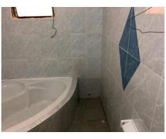 Villa de 04 chambres salons sanitaires très confortables