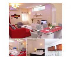 3 Chambres salon meublée de haut standing,situé à Centre d'accueil/Cotonou.