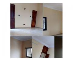 Appartement de 3 pièces très chic aéré bien propre À AKPAKPA Kpondéhou