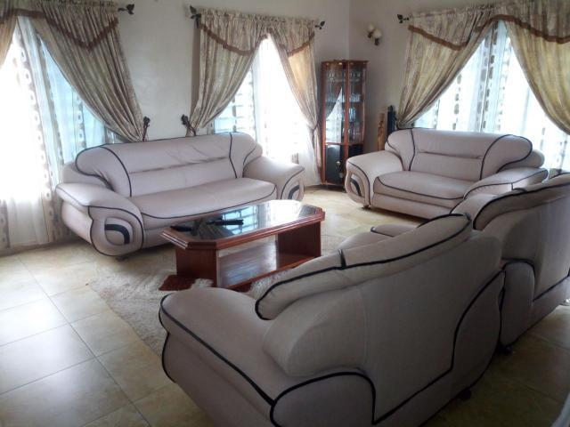 Villa personnelle, 4 pièces meublée à Cotonou
