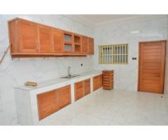 location dans un somptueux immeuble nouvellement construit, trois appartements de 5 pièces
