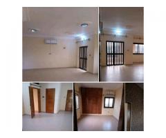 Appartement de 2 ménagers, composé de 4 pièces toutes climatisée
