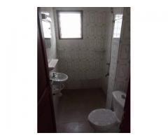 2 chambres salon sanitaire staffé très propre, 2 douches + 1 WC visiteurs