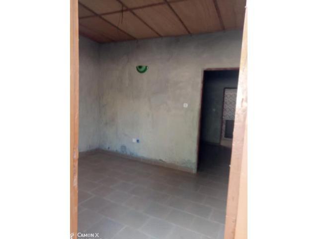 Chambre salon sanitaire, nouvelle construction disponible à togoudo -gbegnigan