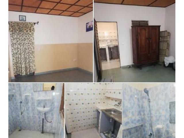 CALAVI TOGOUDO non loin du bar bonne amitié, une chambre salon sanitaire