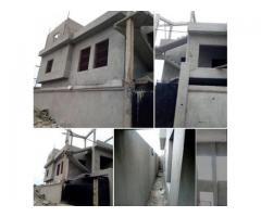 maison construite sur une parcelle de plus de 500 m2 située sur un angle de rue