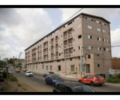 appartements de 03 pièces et bureaux sont à votre disposition a la palmeraie sacré coeur.