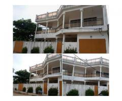 Une maison R+1 bâtie sur une superficie 664 m2 avec titre foncier