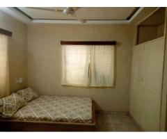 Villa cour unique meublée et climatisées de 3 Chambres salon wcd, cuisine interneS équipés