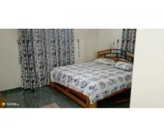 Mini villa cour unique meublée et climatisée de 2 Chambres salon wcd dans chacune