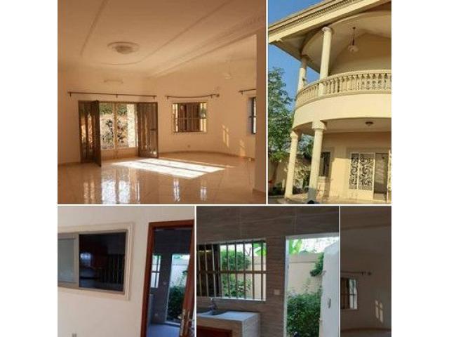 Belle villa personnelle de trois chambres 1 grand salon sanitaire staffée