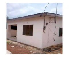 en vente dans la cité arçon ville deux villas de trois chambres salon sanitaire