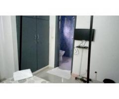 COCODY Riviera2, nous vous proposons un grand et magnifique appartement meublé de 2 pièces