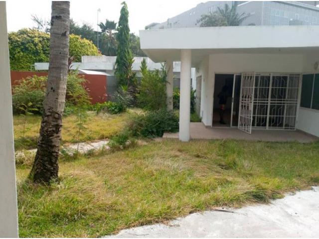 3 chambres salon a louer a cotonou camp guezo