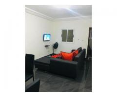 Angré 9 ème tranche, nous vous proposons un grand et magnifique appartement meublé de 2 pièces