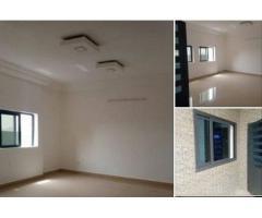 Appartenant nouvelle construction, 03 chambres salon sanitaire staffé