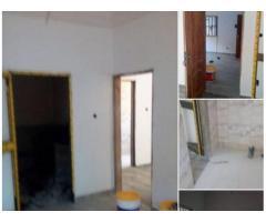 A louer : Chambre salon WC douche cuisine interne en appartement au Rez de chaussée.